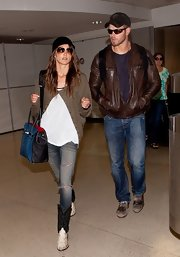 Kellan Lutz sported a pair of classic jeans for his travel look.
