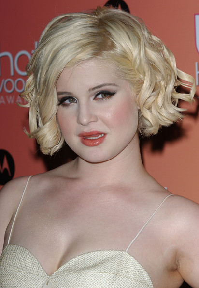 Kelly Osbourne Curled Out Bob