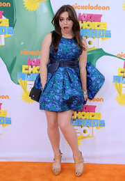 Sophie Simmons arrived at the Kids' Choice Awards wearing a printed belted dress.