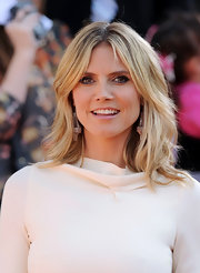 Heidi Klum wore her hair in tousled wavy layers at the 2012 Kids' Choice Awards.