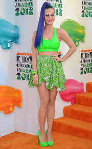 Katy Perry sported a pair of neon green peep toe platform pumps at the 2012 Kids' Choice Awards.