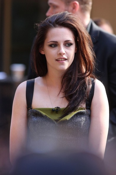 More Pics of Kristen Stewart Smoky Eyes (1 of 7) - Kristen Stewart Lookbook - StyleBistro