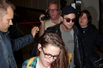 Kristen Stewart Robert Pattinson Kristen Stewart and Robert Pattinson at the Airport