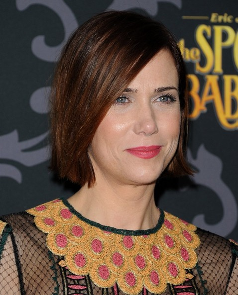 Kristen Wiig Side Parted Straight Cut []