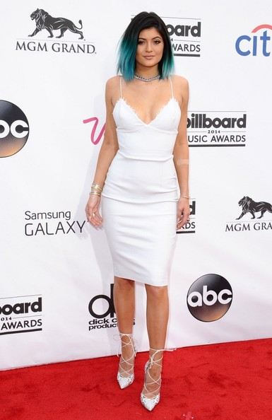 Kylie Jenner Form-Fitting Dress []