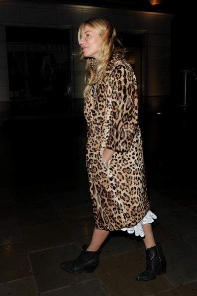More Pics of Sienna Miller Fur Coat (1 of 11) - Sienna Miller Lookbook - StyleBistro