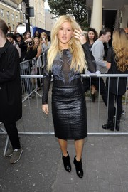 Ellie Goulding teamed her sexy top with a quilted black leather skirt by Topshop.