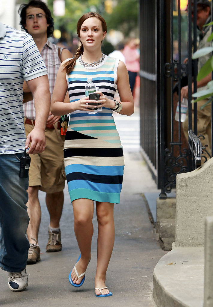 More Pics Of Leighton Meester Flip Flops 12 Of 17