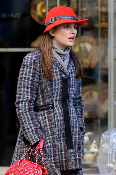 More Pics of Leighton Meester Leather Gloves (4 of 10) - Leather Gloves Lookbook - StyleBistro []