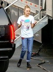 Lily-Rose Depp was spotted on the set of 'Yoga Hosers' wearing a cute graphic tee.
