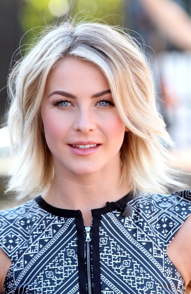 Julianne Hough Stops by 'Extra'