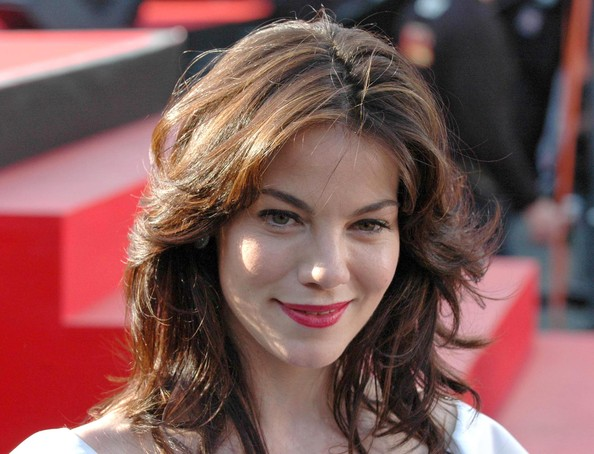 More Pics of Michelle Monaghan Medium Layered Cut (1 of 3) - Shoulder Length Hairstyles Lookbook - StyleBistro