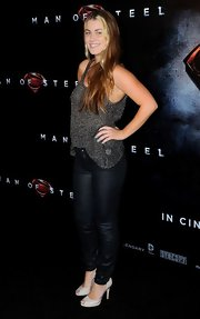 Charlotte Best wore this flowing sweater tank top with jeans at the 'Man of Steel' premiere.