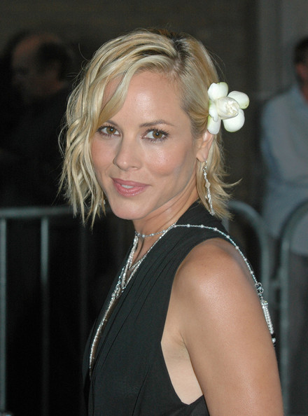 Maria Bello Short Wavy Cut []