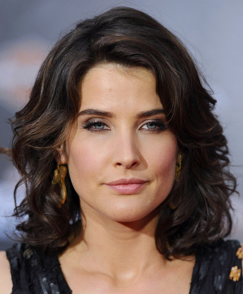 More Pics of Cobie Smulders Medium Wavy Cut (3 of 9) - Cobie Smulders Lookbook - StyleBistro