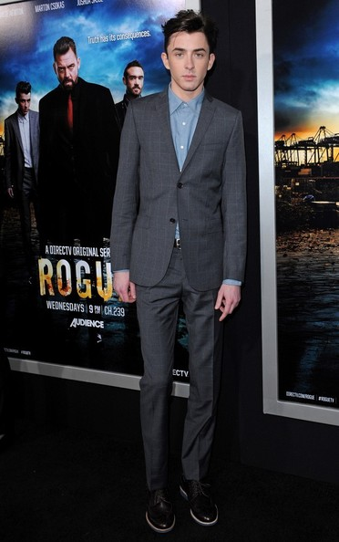 Matthew Beard Men's Suit