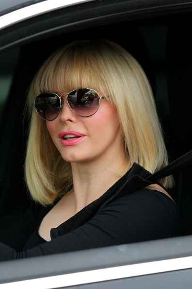 More Pics of Rose McGowan Medium Straight Cut with Bangs (1 of 24) - Medium Straight Cut with Bangs Lookbook - StyleBistro