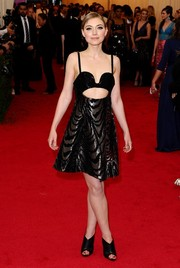 Imogen Poots sealed off her look with black peep-toe booties, also by Proenza Schouler.
