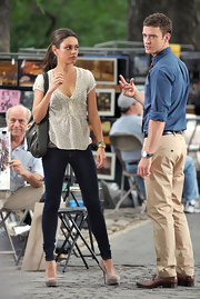 Actress Mila Kunis wore a pair of 910 jeans in Gypsy while filming her new movie 'Friends with Benefits' with Justin Timberlake.