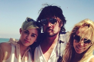 Miley Cyrus Billy Ray Cyrus Celebrity Social Media Pics