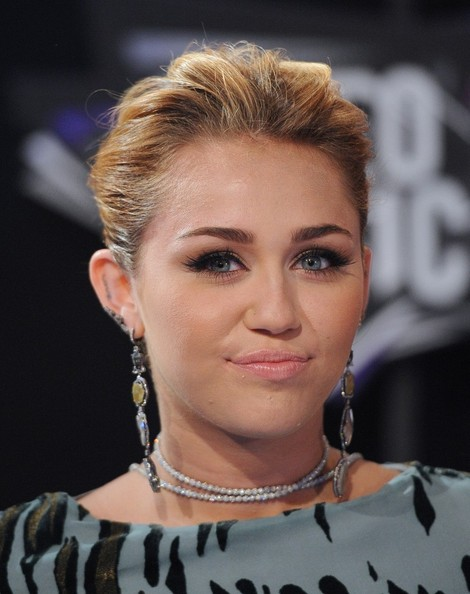 Miley Cyrus Messy Updo