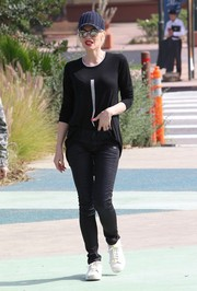 Gwen Stefani was spotted out and about wearing a black Wilt sweater and G-Star skinny jeans.