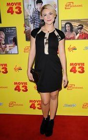 Samaire Armstrong made a delightful appearance on the red carpet in this LBD with contrasting insets.