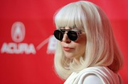 Lady Gaga topped off her look with modern round shades.