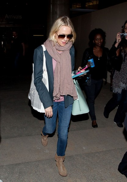 More Pics of Naomi Watts Solid Scarf (4 of 16) - Naomi Watts Lookbook - StyleBistro