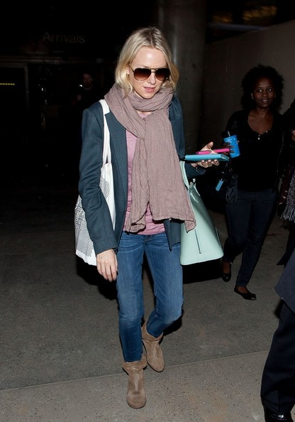 More Pics of Naomi Watts Solid Scarf (5 of 16) - Naomi Watts Lookbook - StyleBistro