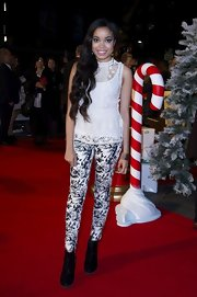 Dionne Bromfield rocked black-and-white print leggings at the premiere of 'Nativity 2.'