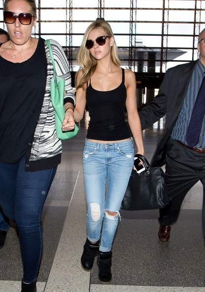 Wear them with a casual tank like Nicola Peltz.