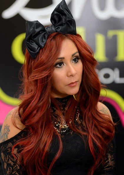 Snooki Promotes Her Scent