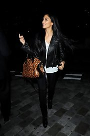 Nicole Scherzinger added a pop of print to her mostly black ensemble with this slouchy printed purse.