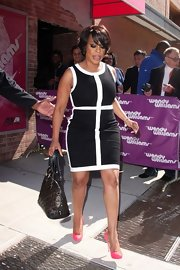Niecy Nash was chic on the 'Wendy Williams Show' in this black-and-white mod dress.