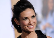 Demi Moore looked exquisite at the 'No Strings Attached' premiere in an elegant messy updo.
