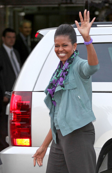 More Pics of Michelle Obama Patterned Scarf (1 of 5) - Michelle Obama Lookbook - StyleBistro