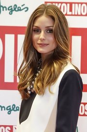 Olivia Palermo looked lovely with cascading waves!