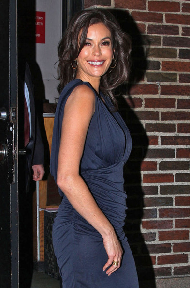 More Pics of Teri Hatcher Medium Wavy Cut (1 of 5) - Teri Hatcher Lookbook - StyleBistro