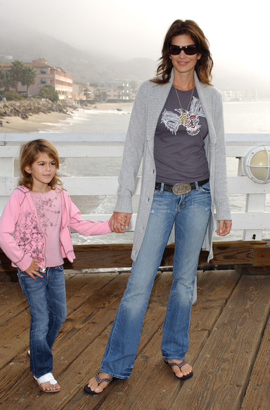 Cindy Crawford & Daughter at the Beach
