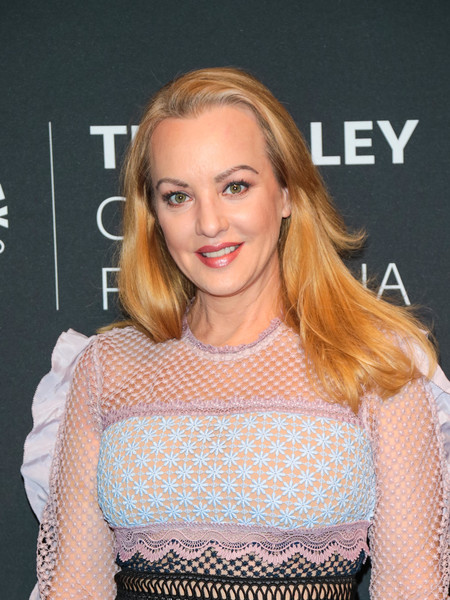 Wendi McLendon-Covey opted for a simple side-parted style when she attended the 'Goldbergs' 100th episode celebration at the Paley Center for Media.