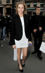 Teresa donned a sleek black blazer over her little white dress at the 'I Am Number Four' premiere.