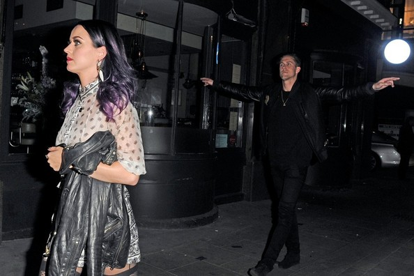 More Pics of Katy Perry Print Blouse (1 of 6) - Tops Lookbook - StyleBistro []