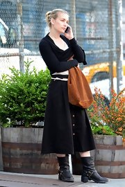 Piper Perabo was spotted out in NYC wearing a pair of black leather motorcycle boots.