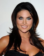 Nadia Bjorlin arrived at the QVC Red Carpet Style event wearing her glossy tresses in choppy layers.