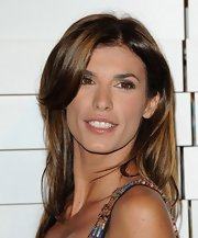 Elisabetta Canalis wore her super shiny hair with lots of body and movement at the Rodeo Drive Walk of Style event.