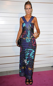 Victoria Hervey shined on the pink carket of the Walk of Style Awards in a patterned evening dress.