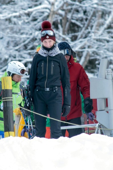 Jason Statham and Rosie Huntington-Whiteley Ski