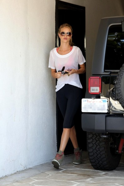 More Pics of Rosie Huntington-Whiteley Leggings (2 of 20) - Rosie Huntington-Whiteley Lookbook - StyleBistro
