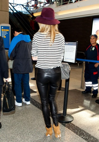 More Pics of Rosie Huntington-Whiteley Leather Pants (2 of 20) - Rosie Huntington-Whiteley Lookbook - StyleBistro